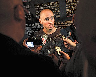 WBC/WBO middleweight champion Kelly Pavlik speaks to the media at a news conference in New York, Wednesday, April 14, 2010.  Pavlik was there to promote his fight against WBC super welterweight champion Sergio Martinez on Saturday, Apr. 17, 2010. (AP Photo/Seth Wenig)