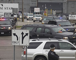 LISA-ANN ISHIHARA | THE VINDICATOR...POTUS Motorcade leaves V&M Star.