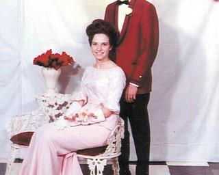 Lana Speece and Gary Good Ñ Canfield High SchoolÕs ÒEmbassy BallÓ Prom in 1966.