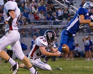 Geoffrey Hauschild The VIndicator.Salem's Charles Shrontz (32) is unable to get his hands on the ball after Hubbard's Michael Lupuchovsky (6) broke up the pass during the second quarter of a match up between Salem and Hubbard at Hubbard Stadium on Friday evening.