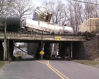 A CSX train carrying ammonia and chlorine derailed near North Center Street in Newton Falls at about 6:45 a.m. Monday.