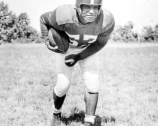 Ralph Goldston, a football star at Campbell Memorial and Youngstown State who helped integrate the Philadelphia Eagles in the early 1950s, has died.