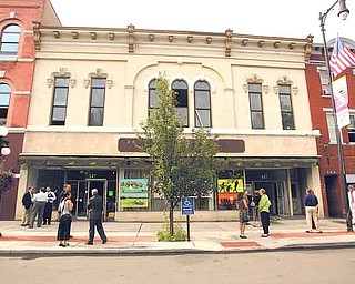 The Wean Foundation will move from its current home on Main Avenue Southeast to the top floor of the Market Block Building in Warren. The $2.5 million project will turn the 17,000-square-foot first floor storefront into a 120-seat meeting room. An incubator for nonprofi t organizations such as the Wean Foundation will be created in the lower level.