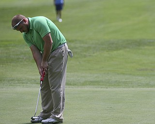 JESSICA M. KANALAS | THE VINDICATOR..Josh Zarlenga putts during day two of the Greatest Golfer Tournament at Youngstown Country Club... -30-