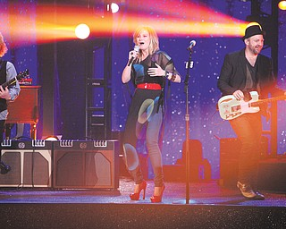 Jennifer Nettles, left, and Christian Bush comprise country superstar duo Sugarland. The country-music act will come to Covelli Centre on Friday as the second stop on its tour.