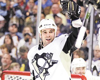 Unlike other stops in Steve Sullivan's 17-year career, big things are expected from the Pittburgh Penguins hockey club, and the expectation going into every postseason is clear: to win the Stanley Cup.