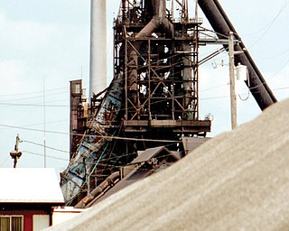 RG Steel will shut down its Warren plant early next month.