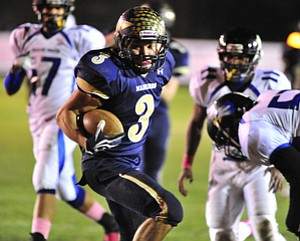 Brookfield's #3 Ryan Mosora spins his way into the endzone for the touchdown after making the Youngstown Christian defense miss.