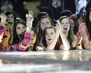 William D.Lewis the Vindicator  Fans cheer during Rascal Flatts show at the Covelli 2-21-13.