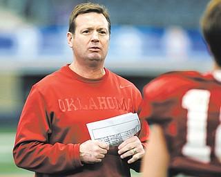The home of Oklahoma head football coach and Cardinal Mooney grad Bob Stoops was burglarized on Wednesday.