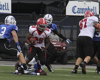 Youngstown State's Martin Ruiz cuts through a hole in the Indiana State defense during Saturday nights matchup at Indiana State Universityin Terre Haute, Indiana.  Dustin Livesay  |  The Vindicator  10/05/13  Indiana State University.