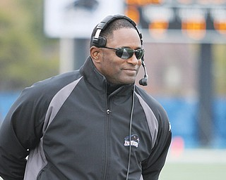 Bowling Green University announced Wednesday that Eastern Illinois' Dino Babers has been hired as the Falcons' new head football coach.