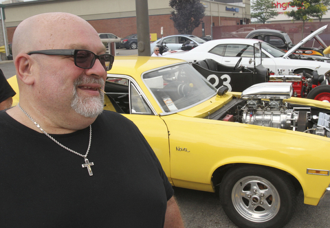 william D. Lewis The Vindicator  Fat and Furious cast member Tommy Christmas during a car show at Quaker Steak and Lube in Boardman.