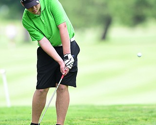 HUBBARD, OHIO - JUNE 26, 2015: Zach Jacobson of Poland chips out of the short rough and onto the green on the 18th hole Friday afternoon at Pine Lakes during a Vindy Greatest Golfer qualifying Tournament. DAVID DERMER | THE VINDICATOR