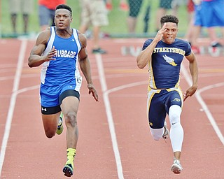 Jeff Lange | The Vindicator  SAT, JUN 4, 2016 - Hubbard's George Hill competes against Streetsboro's Dakari Carter in the boys 100 meter dash event during Saturday's OHSAA State Track and Field tournament in Columbus.