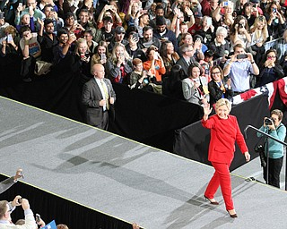 Kent, Ohio: Monday, Oct. 31, 2016..Democratic presidential nominee, Hillary Clinton walks on stage at the Kent State University Recreation & Wellness Center in Kent, Ohio. (Nikos Frazier | The Vindicator)