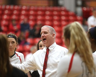Youngstown State University head coach Mark Hardaway speaks with his players during the third set as Wright State University takes on Youngstown State University, Wednesday, Oct. 11, 2017, at the Beeghly Center at Youngstown State University in Youngstown. The Raiders won the set 3-1, loosing set 1 30-32 and winning set 2 25-16, set 3 25-17 and set 4 25-22...(Nikos Frazier | The Vindicator)..