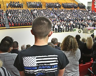 William D Lewis The vindicator  Thousands of police officers in YSU Beegley Center for Justin Leo funeral service 10-29-17.