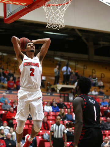 Youngstown State forward Devin Haygood (2) goes up for a dunk in the second half of a NCAA college basketball game against UIC, Thursday, Jan. 18, 2018, in Youngstown. UIC won 92-78...(Nikos Frazier | The Vindicator)