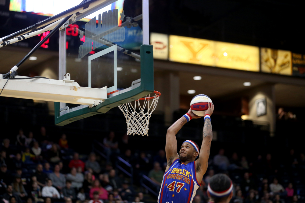 Globetrotter Animal dunks, Jan. 24, 2018, at the Covelli Centre in Youngstown...(Nikos Frazier | The Vindicator)