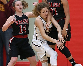 STRUTHERS, OHIO - MARCH 3, 2018:  South Range's Booke Sauerwein (20) battles for the loose ball with Salem's Echo Mayer-Kutz (21) during the 3rd qtr at Struthers High School, Struthers' Fieldhouse.  MICHAEL G. TAYLOR | THE VINDICATOR