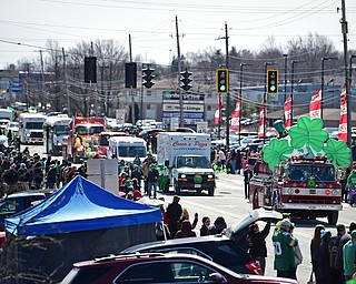 BOARDMAN, OHIO - MARCH 11, 2018: Parade floats make their way down the parade route on Market Street during the Mahoning Valley St. Patrick's Day Parade. DAVID DERMER | THE VINDICATOR