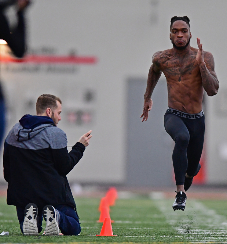 YOUNGSTOWN, OHIO - MARCH 13, 2018: Youngstown State's Alvin Bailey runs the 40 yard dash during the Youngstown State football pro day, Tuesday morning at the Watts Indoor Facility. DAVID DERMER | THE VINDICATOR