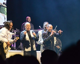 Earth, Wind, and Fire at Covelli Centre