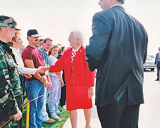 Mrs. Bush greets 910 AG civilian and military personnel at the Youngstown Air Reserve Station on September 17, 1992.  