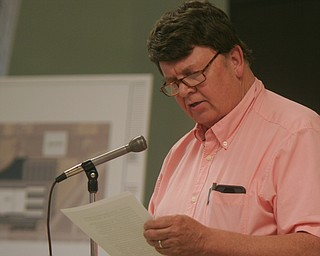 William D. Lewis The Vindicator Robert Bond of Lordstown speaks during a zoning meeting at the Lordstown Administration building Tuesday.He was opposed to rezoning for TJX project.