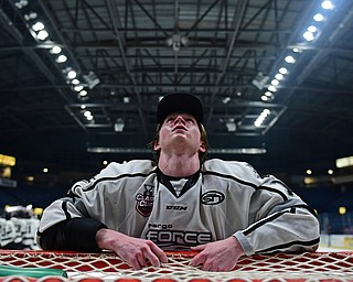 YOUNGSTOWN, OHIO - MAY 19, 2018: Fargo's Jordan Seyfert reflects while leaning on the net after Fargo defeated Youngstown 4-2 to fin the USHL championship, Saturday night in Youngstown. DAVID DERMER | THE VINDICATOR
