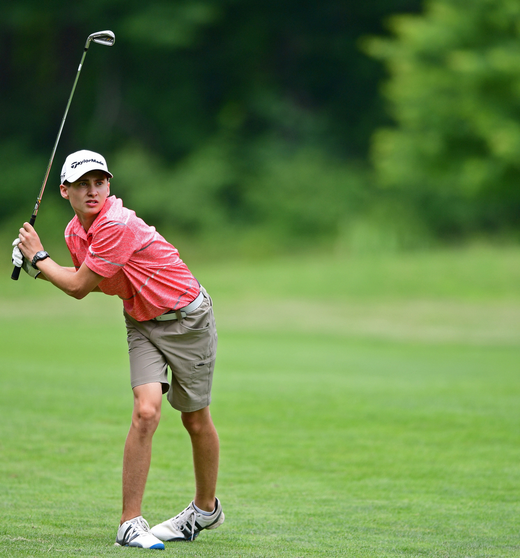 BOARDMAN, OHIO - JUNE 26, 2018: Patrick Kennedy of Boardman follows his approach shot from the fairway on the 18th hole, Tuesday afternoon at Mill Creek Golf Course during the Vindy Greatest Golfer. DAVID DERMER | THE VINDICATOR