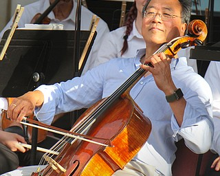 William D. Lewis The Vindicator Cellist Yo Yo Mah performs at the Amp in Warren during a 8-13-18 concert.