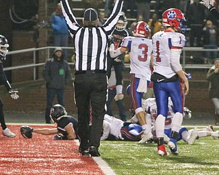 Girard's Nick Malito stretches for the game winning touchdown in the state semifinals in Dover, OH. On Saturday Nov. 24, 2018.. ETHAN CLEWELL | THE VINDICATOR