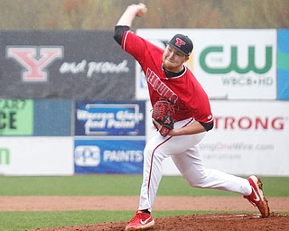 YSU's Travis Perry pitches during their game against NKU at Eastwood Field on Friday. EMILY MATTHEWS   THE VINDICATOR