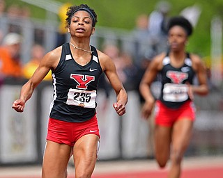 YOUNGSTOWN, OHIO - MAY 5, 2019: Youngstown State's Jaliyah Elliott races to the finish line to win the Women's 200 meter, Sunday afternoon during the Horizon League Outdoor Track Championship at the Youngstown State Sports Complex. DAVID DERMER | THE VINDICATOR