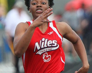 William D. Lewis The vindicator  Niles Chante Clinkscale competes in 100 meter dash 5-24-19