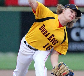 William D. Lewis The Vindicator Dura Edge pitcher Brian Shevitz(16) delivers during a 6-4-19 game with Astros at Cene.