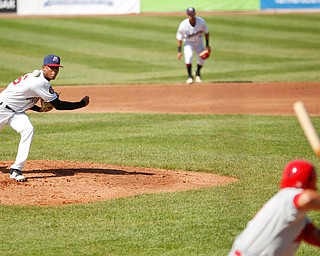 Scrappers' Luis Valdez pitches during their game against the Doubledays at Eastwood Field on Sunday. EMILY MATTHEWS | THE VINDICATOR