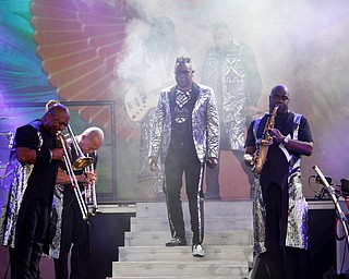 Earth, Wind & Fire perform at the Youngstown Foundation Amphitheatre Friday night. EMILY MATTHEWS | THE VINDICATOR