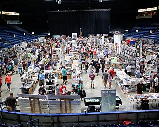 People walk around the different vendors at the Youngstown Comic Con in Covelli Centre on Saturday afternoon. EMILY MATTHEWS | THE VINDICATOR