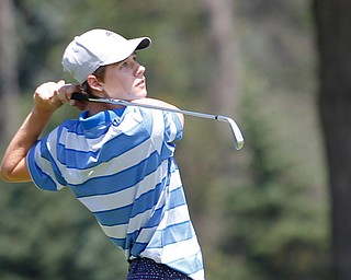 Christopher Loychik drives the ball during the Greatest Golfer Boys U17 championship at Avalon Lakes on Saturday. EMILY MATTHEWS   THE VINDICATOR