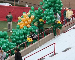 Giving Balloons