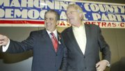 Talk show host and political figure Jerry Springer was the featured speaker at the Mhoning County Democrat Party Hall of Fame dinner.