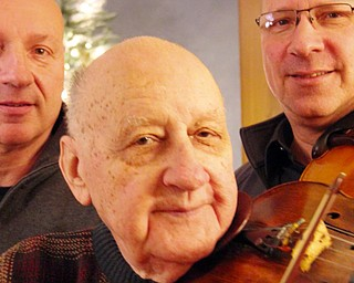 Ed Smrek 89 year old violinist